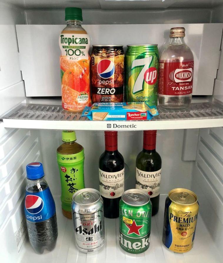 冷蔵庫の中のドリンク