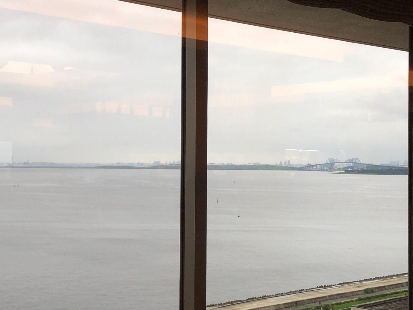 シェラトン東京ベイラウンジからの東京湾