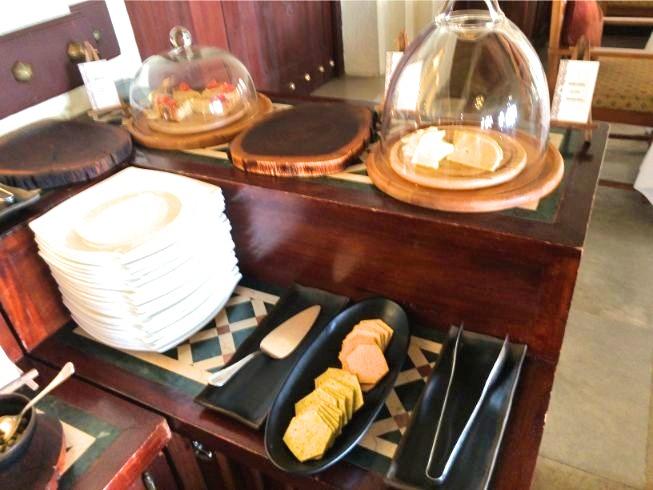 アルマハのレストラン朝食ビュッフェの内容:キッシュ