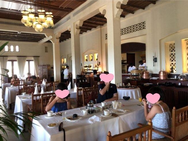 アルマハのアルディワンレストランの様子