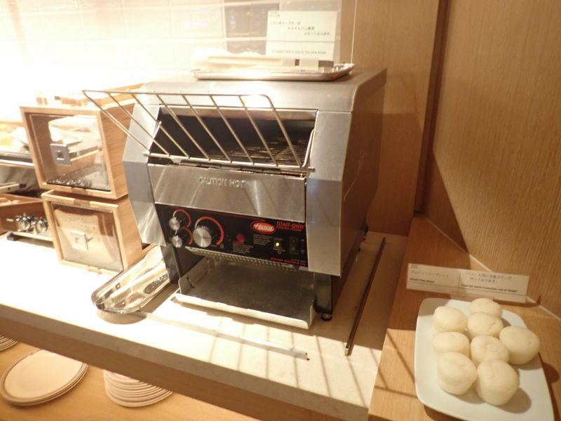 シェラトングランデトーキョーベイのラウンジ朝食の画像