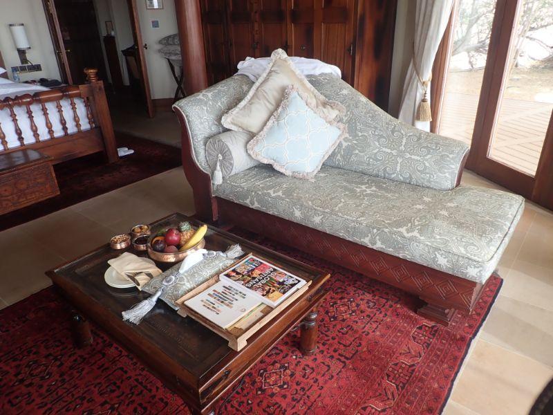 アルマハベドウィンスイートのソファー