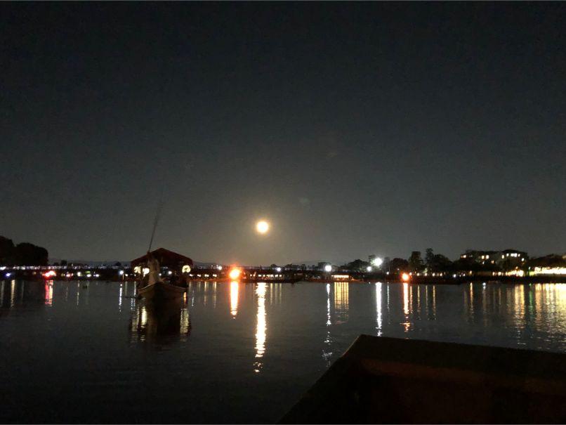 鵜飼鑑賞船からの渡月橋