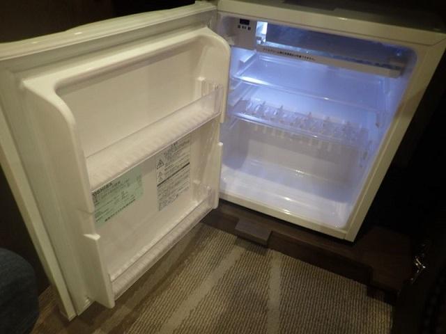 シェラトングランデトーキョーベイのパークビュールームの冷蔵庫