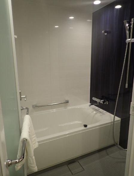 シェラトングランデトーキョーベイのパークビュールームのバスルーム