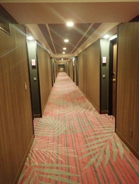 シェラトングランデトーキョーベイのパークビュールームの廊下