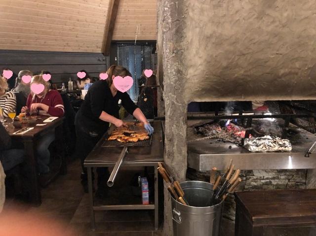 ロヴァニィ号の食事会場