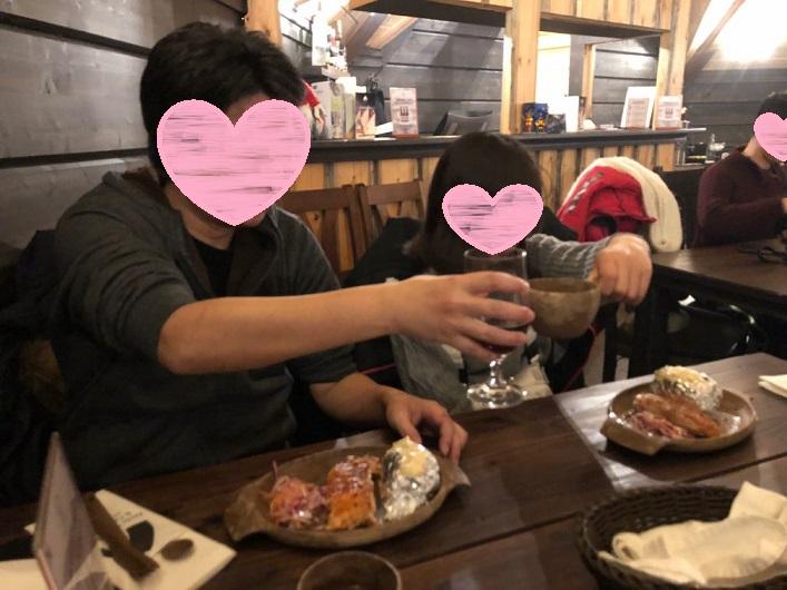 ロヴァニィ号の食事、乾杯写真