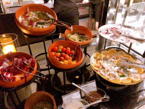 名古屋マリオットのクラブラウンジカクテルタイムの食べ物