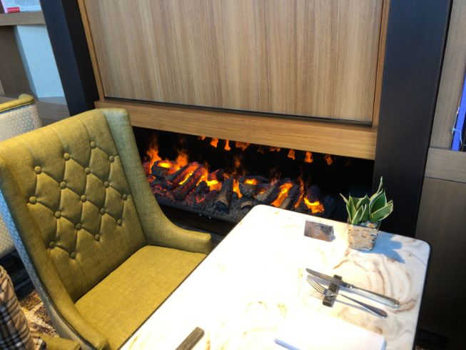 名古屋マリオットラウンジの暖炉