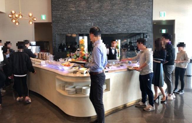 パーゴラの朝食ビュッフェの様子
