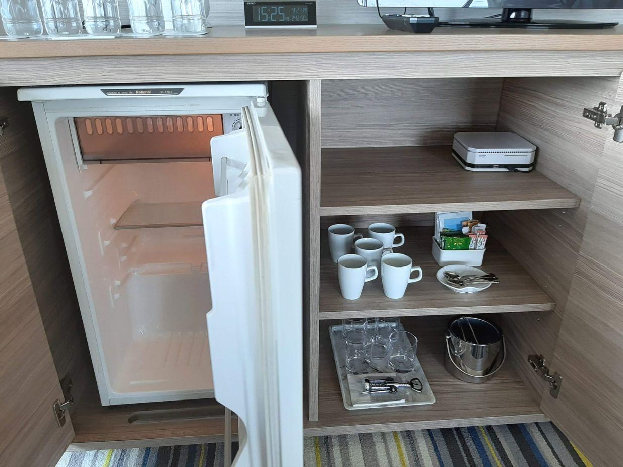 クイーンファミリーメインルームの冷蔵庫