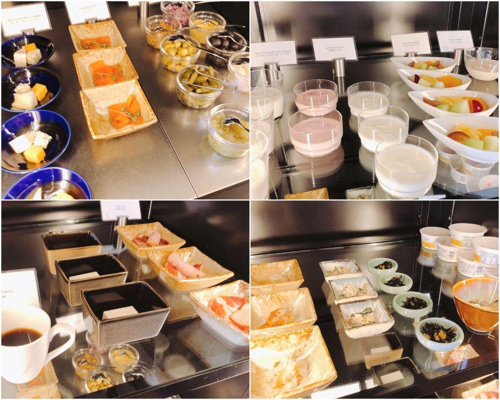ラウンジの朝食ビュッフェ台