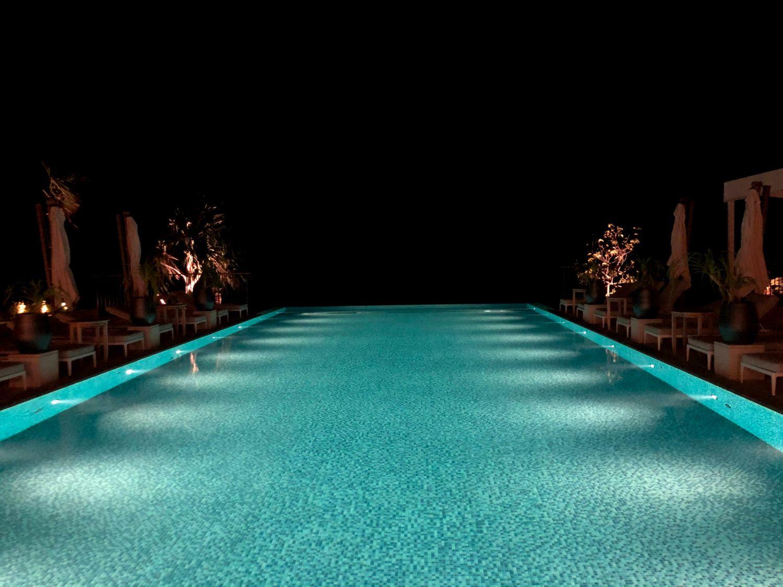 クラブインターコンチネンタル宿泊者専用プール